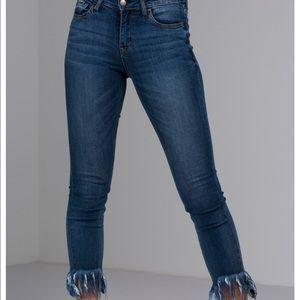 🆕 Akira Frayed Hem Jeans